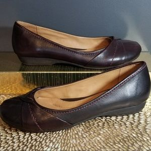 NUTURE Brown Leather flats 8.5